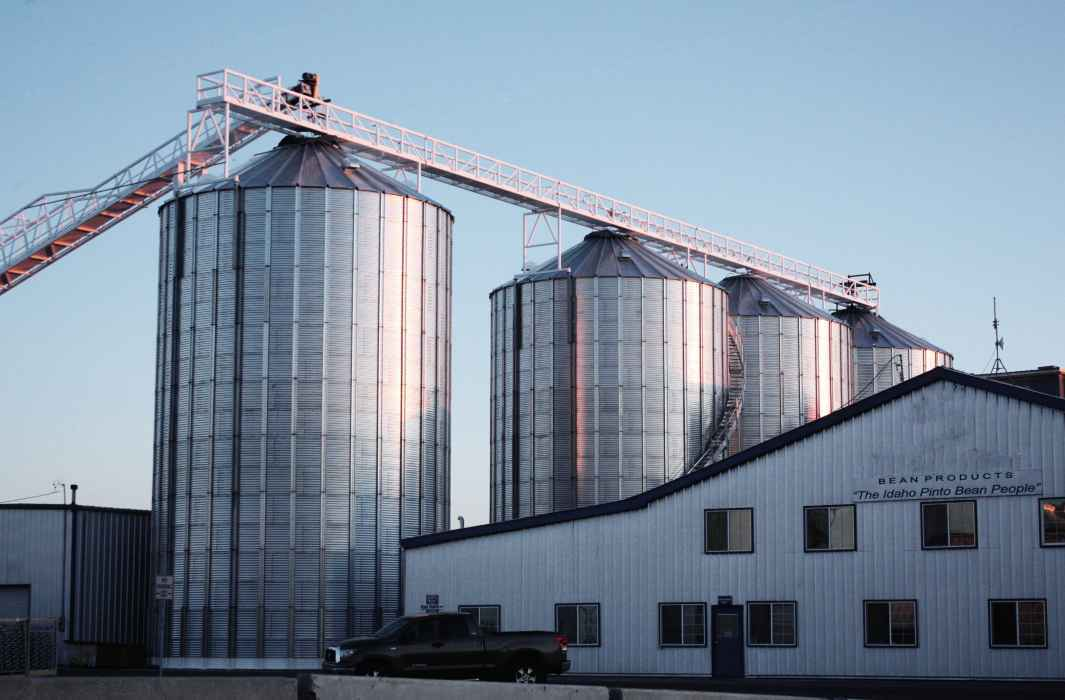Grain bins and custom conveyors in Twin Falls, ID
