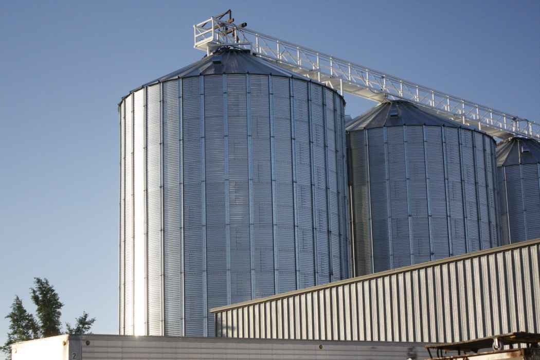 Grain Bins in Twin Falls at Soranco Bean